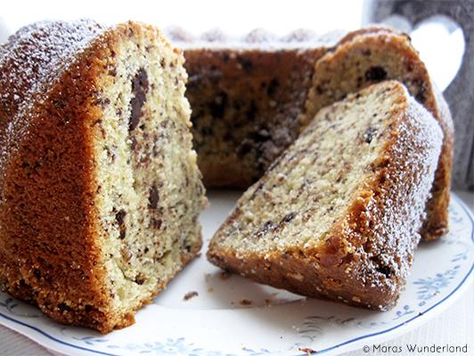 Gugelhupf kuchen mit schokostuckchen