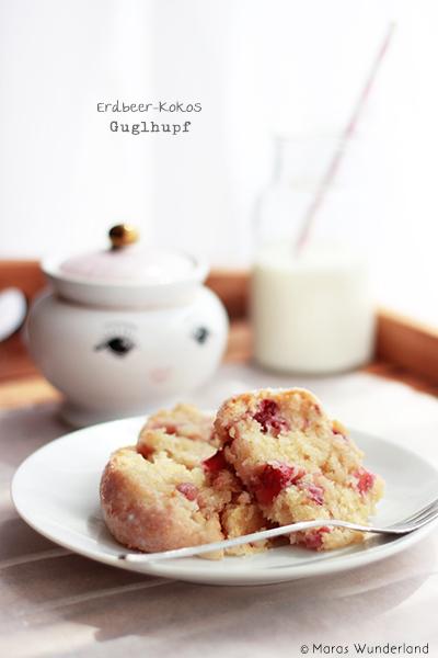 Erdbeer-Kokos-Guglhupf