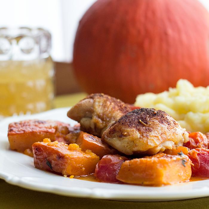 Hähnchen mit Kürbis und Tomaten