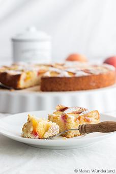 Zitroniger Pfirsich-Kuchen