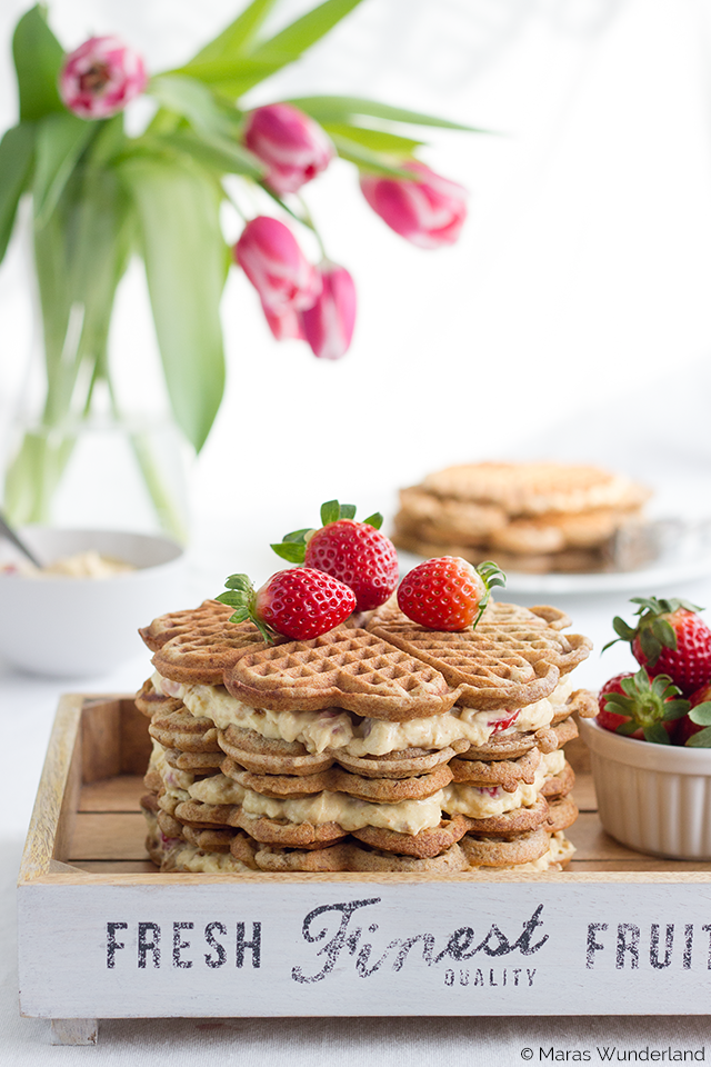 Erdbeer-Eierlikör-Waffeltorte