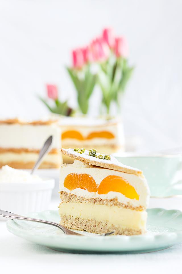 Aprikosen-Pudding-Sahnetorte