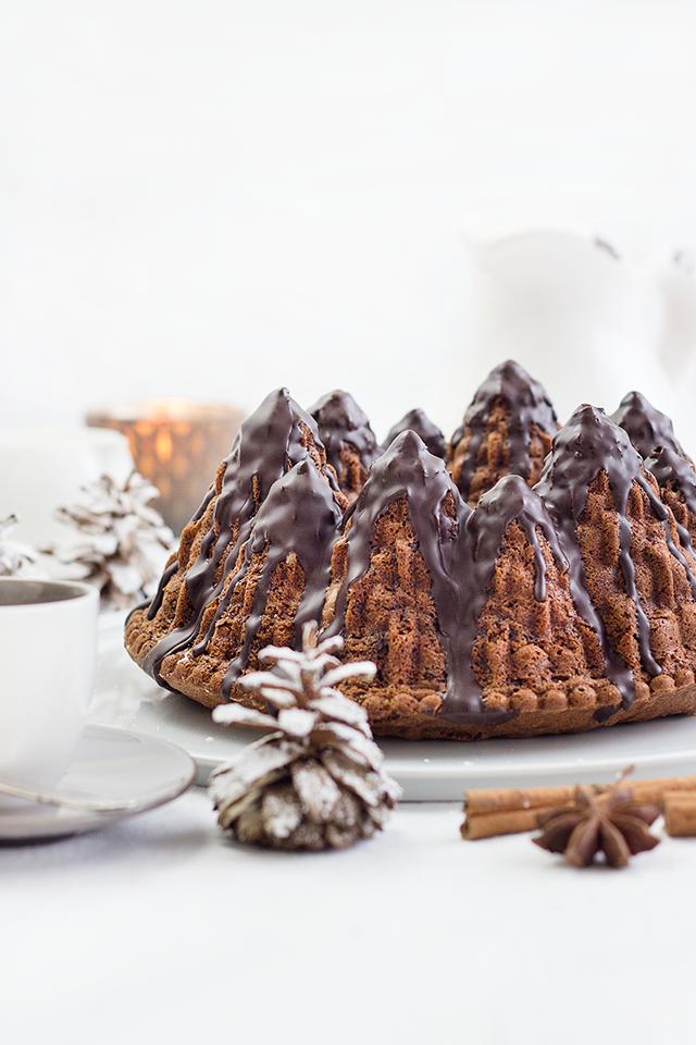 Rotweinkuchen mit Lebkuchen