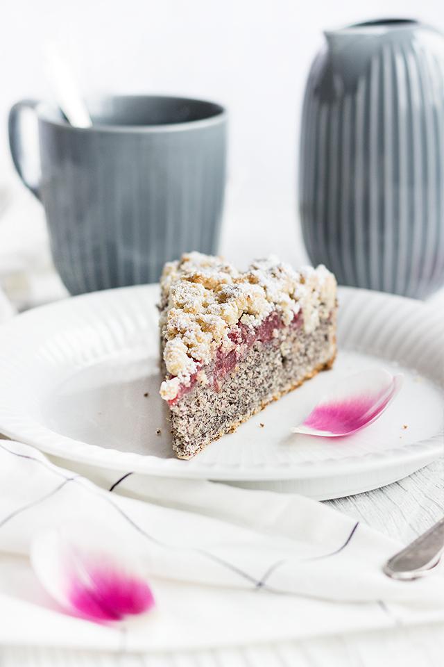 Mohn-Kirsch-Streuselkuchen
