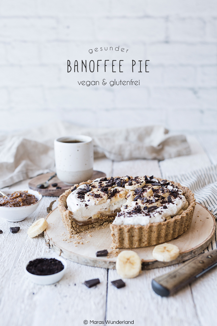 {Werbung} Rezept für einen gesunden Bananen Karamell Kuchen aka Banoffee Pie. Vegan und glutenfrei. Mit Dattelkaramell.