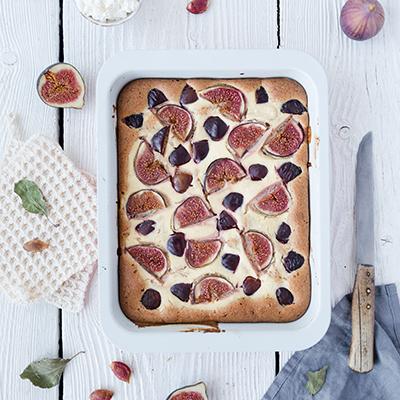 Feigen-Zwetschgenkuchen mit Ricotta-Swirl