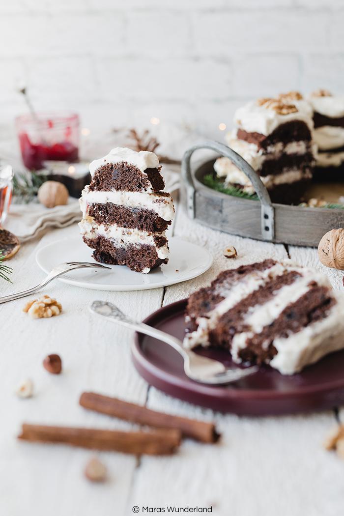 Rezept für einen gesünderen weihnachtlichen Gewürzkranz - eine Mischung aus Gewürzkuchen und Frankfurter Kranz. Aromatisch, saftig, cremig und unglaublich lecker. • Maras Wunderland #gewürzkuchen #weihnachtskuchen #weihnachtsrezept #christmascake #spicedcake #healthybaking #christmastreat #maraswunderland #frankfurterkranz #