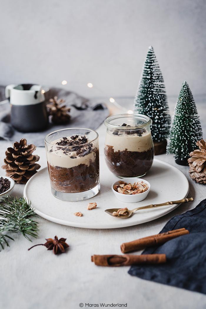 Rezept für veganes, gesundes, glutenfreies Schoko-Erdnuss-Mousse. Schnell und einfach gemacht. Mit Aquafaba. Perfekt auch zur Weihnachtszeit. Super fluffig und schokoladig. • Maras Wunderland #vegandessert #eathealthy #healthydessert #gesundesdessert #schokomousse #erdnusmousse #weihnachtsdessert #maraswunderland #schokodessert