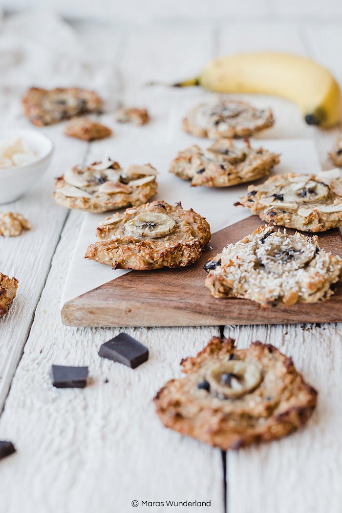 Rezept für die besten gesunden Banana Cookies ever. Richtig lecker & soft, dazu vegan, glutenfrei, paleo und ohne zugesetzten Zucker, nur aus den Früchten. Dazu schnell & einfach gemacht und auch der perfekte süße Snack für Kinder. • Maras Wunderland #paleo #cookies #glutenfreee #glutenfrei #vegan #kekse #sugarfree #zuckerfrei #backenfürkinder #backenmitkindern #snack #gesundesnack #vegansnack
