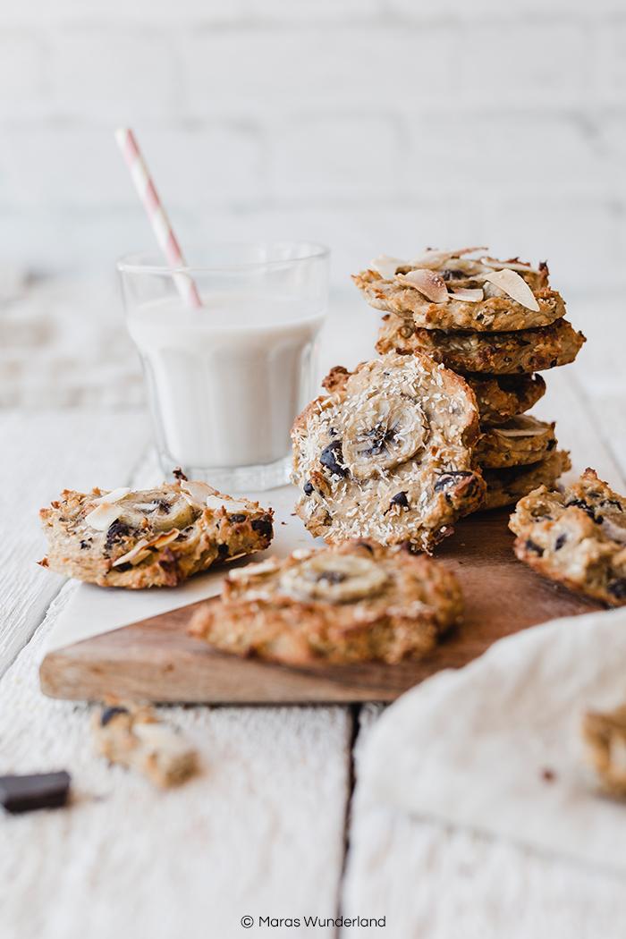 Meine TOP 15 süße gesunde Rezepte: vegane, glutenfreie Banana Cookies ever. Richtig lecker & soft, dazu paleo und ohne zugesetzten Zucker, nur aus den Früchten. Dazu schnell & einfach gemacht und auch der perfekte süße Snack für Kinder. • Maras Wunderland #paleo #cookies #glutenfreee #glutenfrei #vegan #kekse #sugarfree #zuckerfrei #backenfürkinder #backenmitkindern #snack #gesundesnack #vegansnack