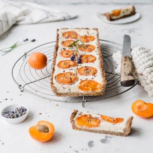 Aprikosen-Käsekuchen-Tarte mit Lavendel