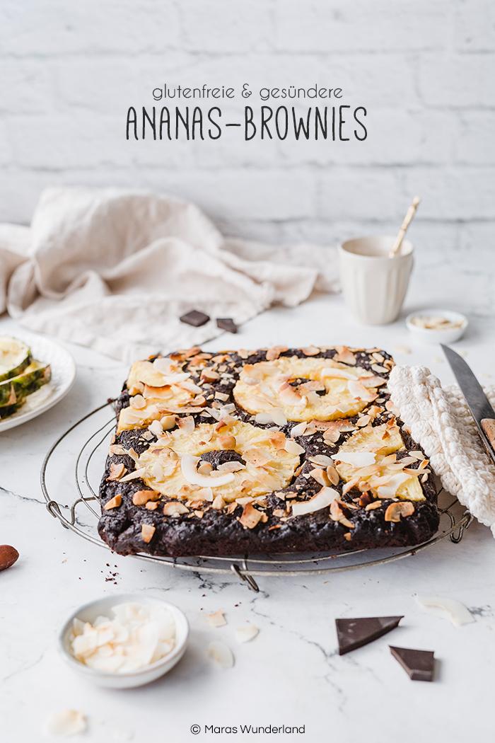 Rezept für gesunde, glutenfreie Ananas-Brownies. Super schokoladig und lecker. Mit Kakao und Mandeln. Saftig und fruchtig durch frische Ananas. • Maras Wunderland #brownies #healthybrownies #glutenfree #glutenfrei #maraswunderland #schokokuchen #ananaskuchen #pineapplecake #gesundbacken