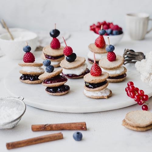 Gesündere, glutenfreie Mini-Pancake-Spieße
