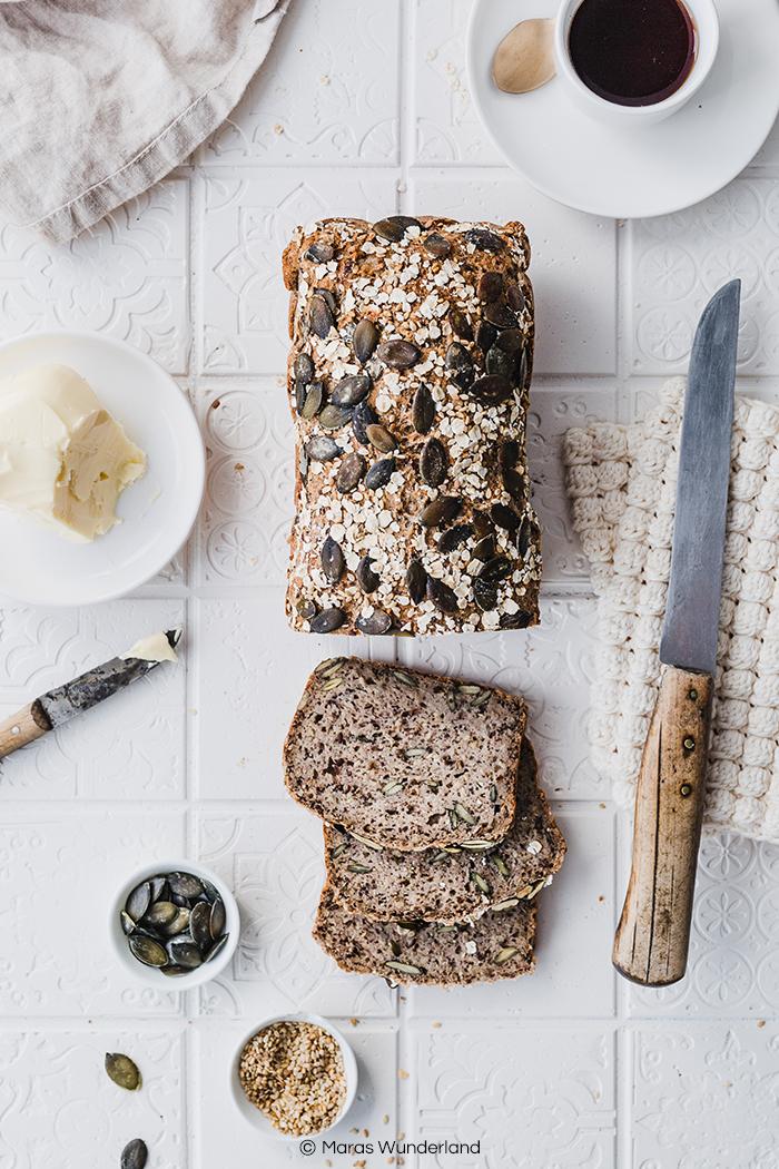 Glutenfreies Hafer-Buchweizenbrot. Vegan und gesund. Ein schnelles und einfaches Rezept ohne Hefe. • Maras Wunderland #brot #brotrezept #ohnehefe #bread #glutenfreibacken #glutenfrei #glutenfreebread
