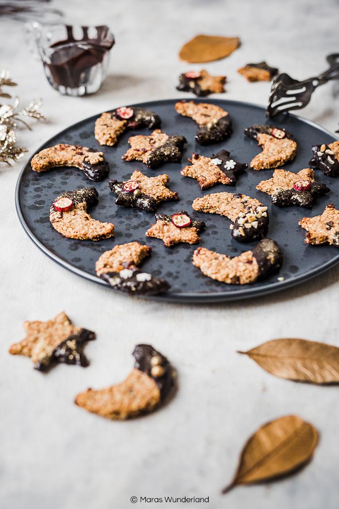 Glutenfreie und vegane Haferflockenplätzchen. Ein schnelles, einfaches und gesundes Rezept für die Weihnachtszeit. • Maras Wunderland #weihnachtsplätzchen #vegan #christmascookies #maraswunderland