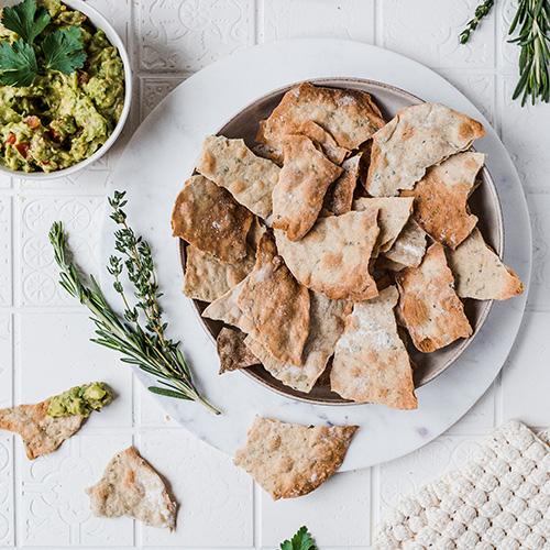 Vegane Cracker mit Guacamole