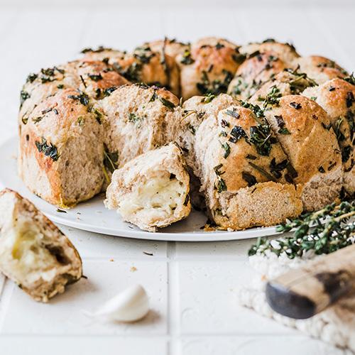 Käse-Kräuter-Brötchensonne
