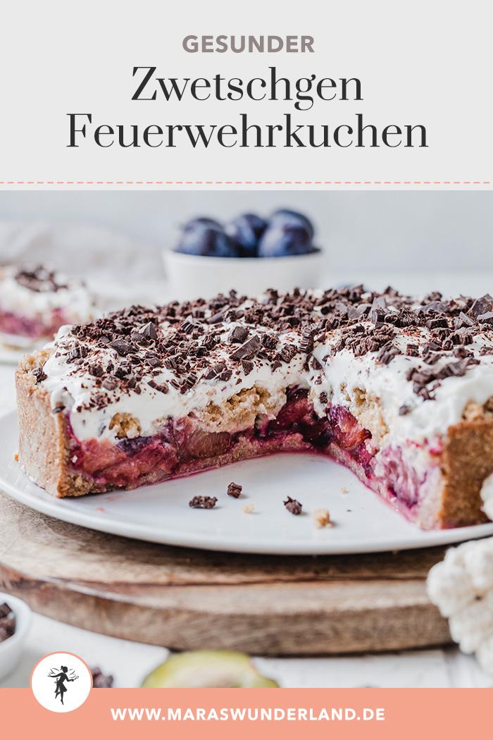 Gesünderer Zwetschgen-Feuerwehrkuchen. Mandelig, zimtig, saftig, cremig und knusprig zugleich. Perfekter Herbstkuchen. • Maras Wunderland