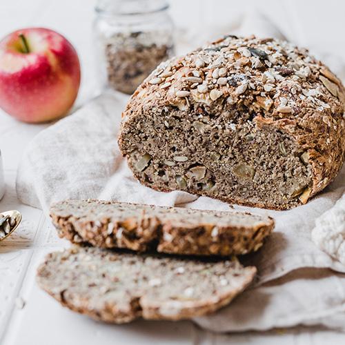 Glutenfreies Apfel-Proteinbrot