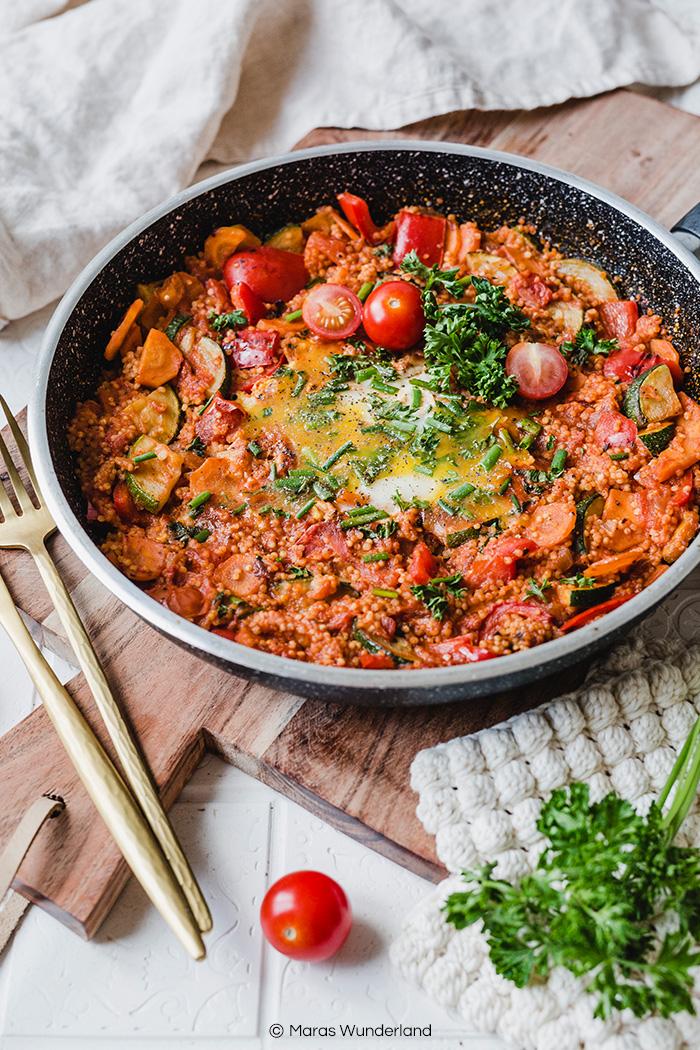 Hirse-Shakshuka. Schnell gemacht und super gesund. • Maras Wunderland #shakshuka #gesunderezepte #abendessen #mittagessen #abnehmrezepte #vegetarisch #veggie